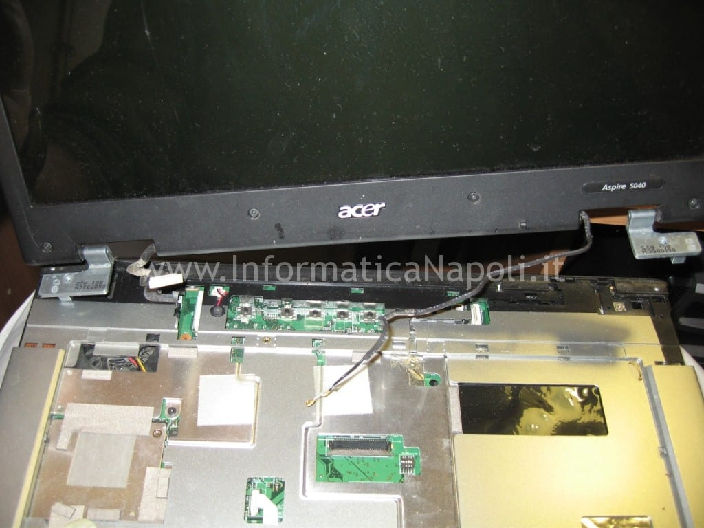 staccare monitor Acer Aspire 5045 5040