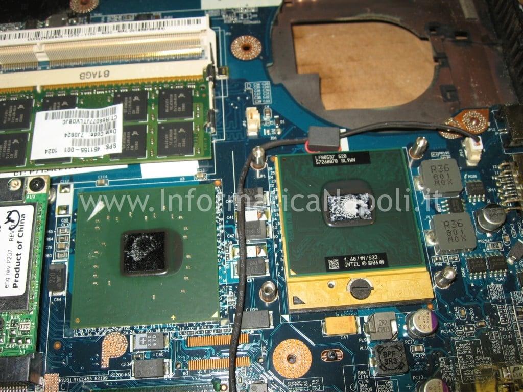 cambio pasta termoconduttiva HP 530