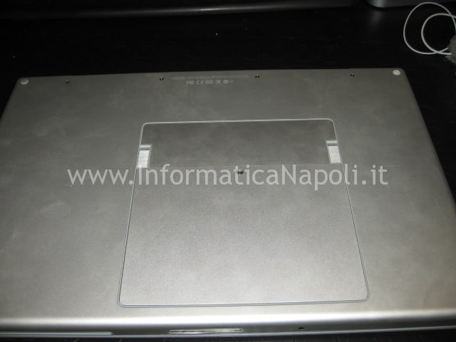 aprire apple macbook pro 17 a1229