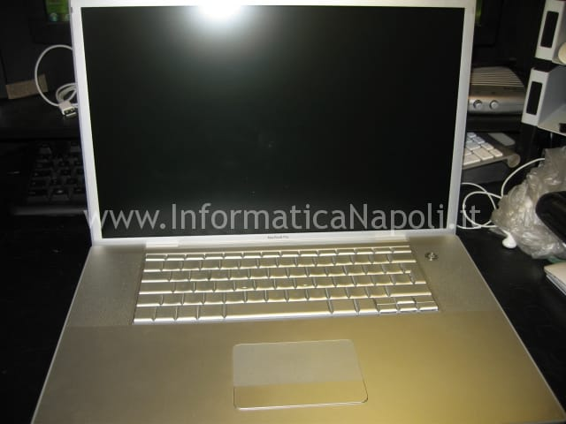 problemi video logic board  macbook pro 17 a1229
