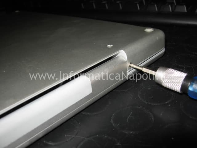riparazione apple macbook pro 17 a1229