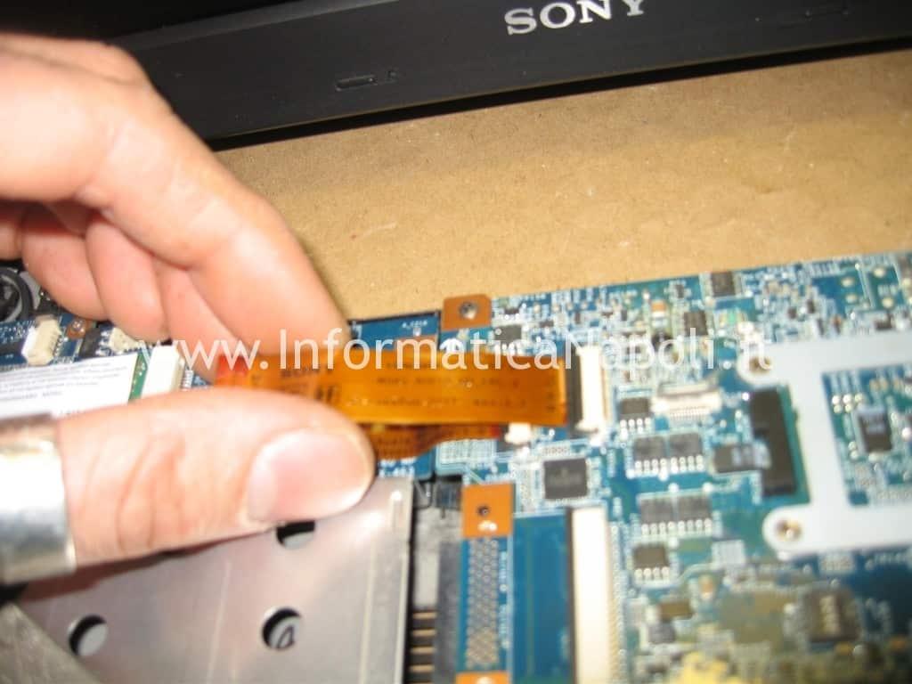 aprire Sony Vaio C2Z 6r1m