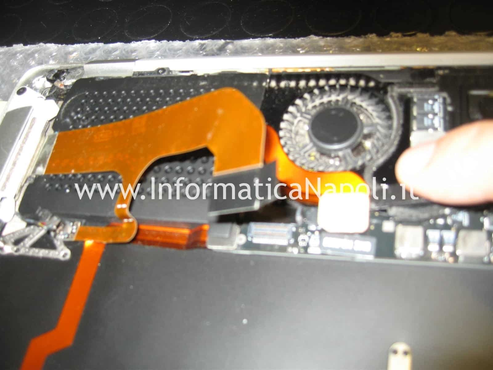rimozione SSD macbook air 13 a1304