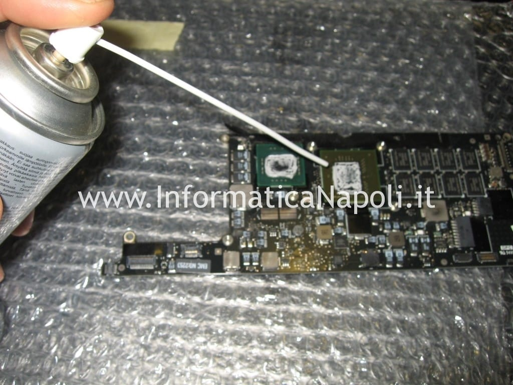 pulizia logic board A1237 macbook air 13