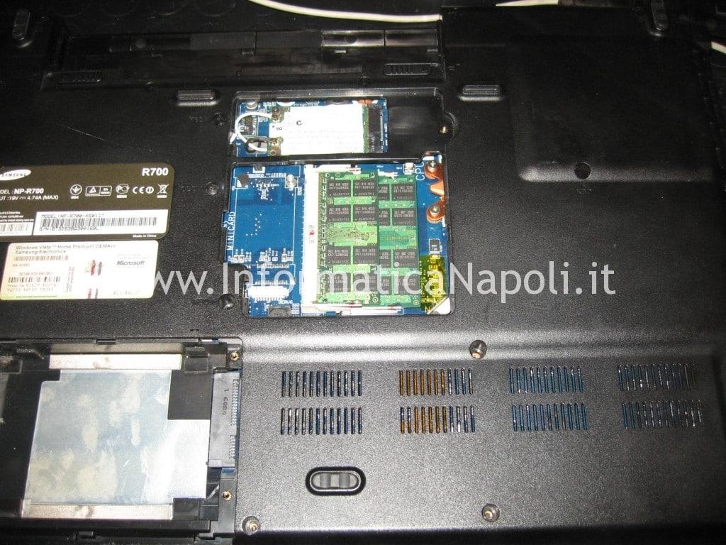 riparazione samsung NP-R700