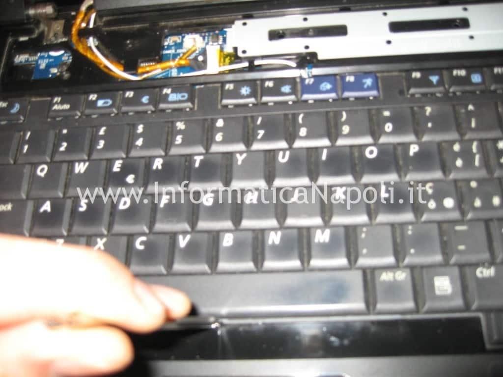 smontare tastiera samsung NP R700