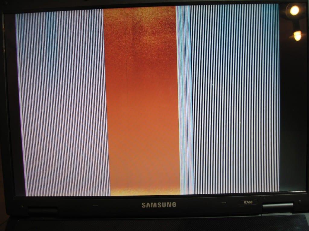 righe verticali schermo samsung r700