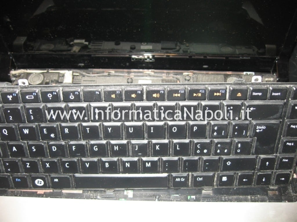 LCD LED Dell Studio 1555