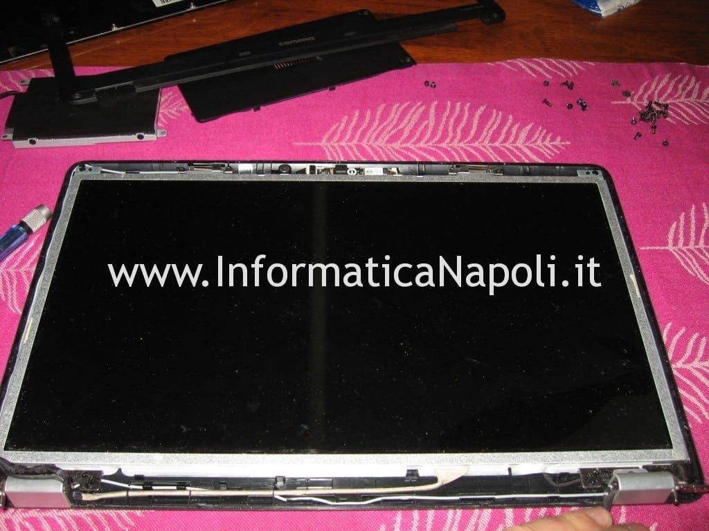 schermo lcd Compaq Presario CQ56 rotto
