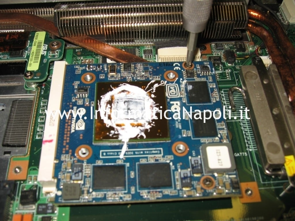 problema scheda video Asus C90s