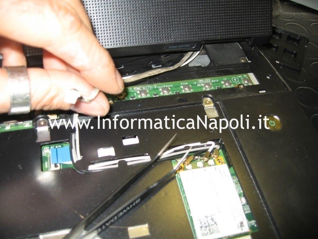 riparare sony vaio VGN-AR78E PCG8121M
