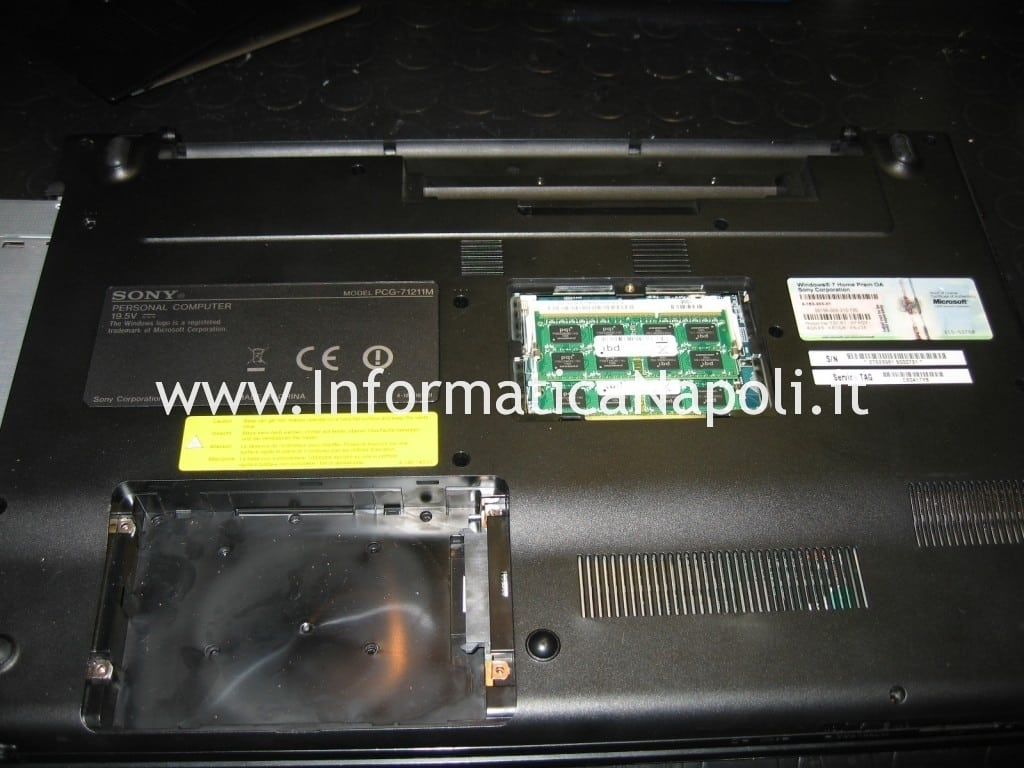 problema video sony vaio VPCEB1S1E PCG-71211M