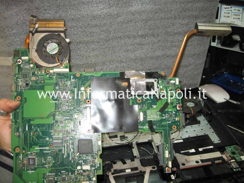 estrarre scheda madre Pavilion HDX9000 HDX9050EL