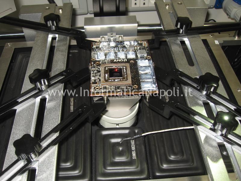come effettuare sostituzione ATI Radeon iMac flussante