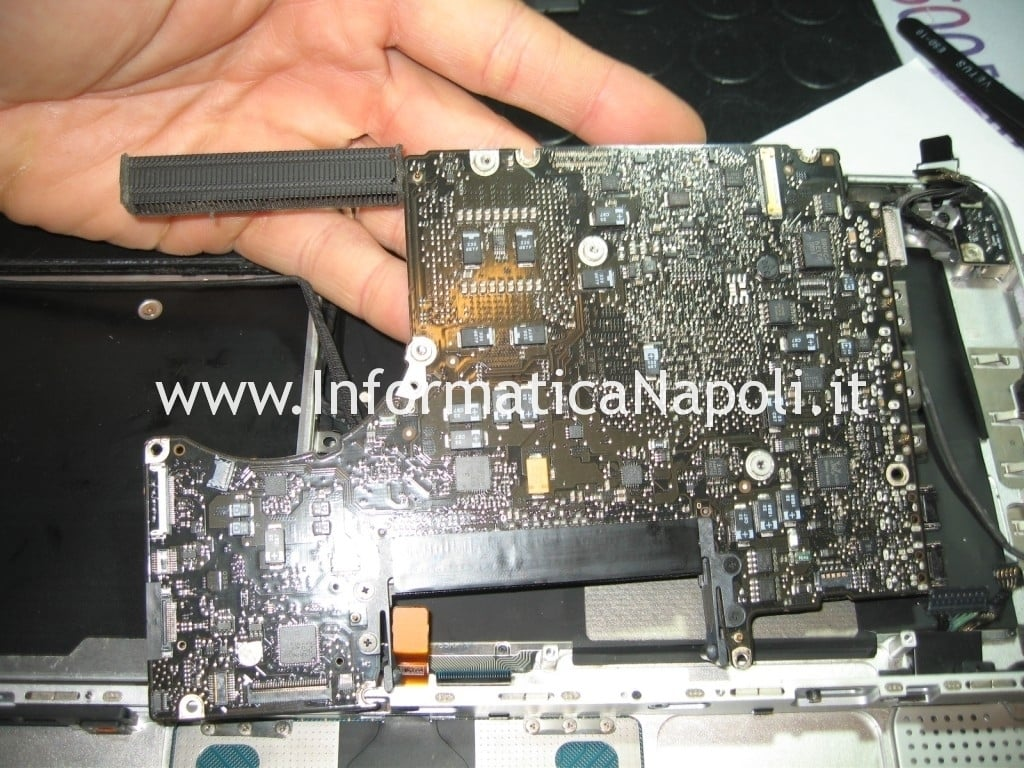 problema logicboard MacBook Unibody A1278