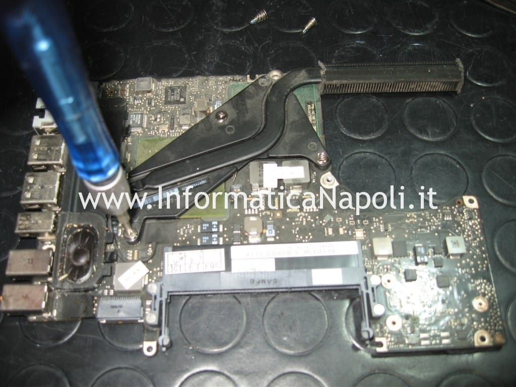 MacBook Unibody A1278 non si accende