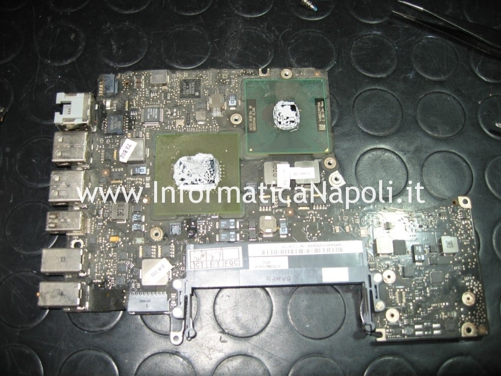 MacBook Unibody A1278 reballing video nVidia