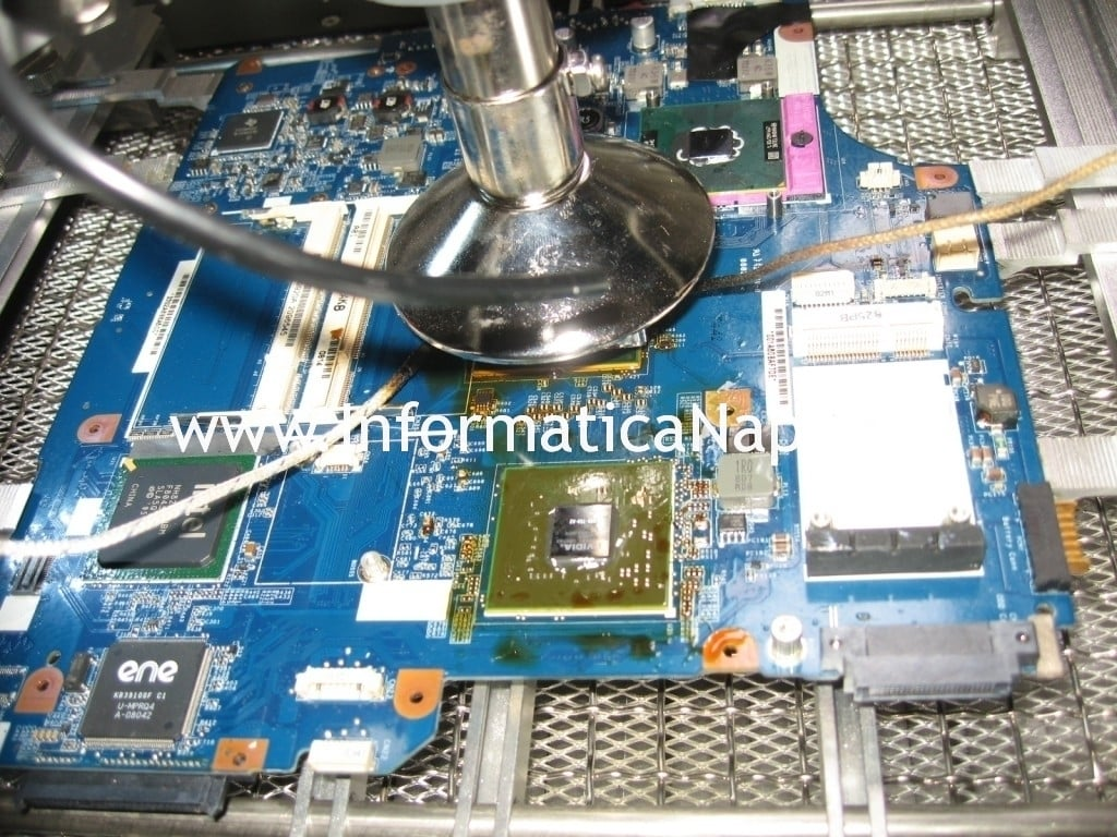 reballing Sony vaio VGN-NR31s PCG-7121M