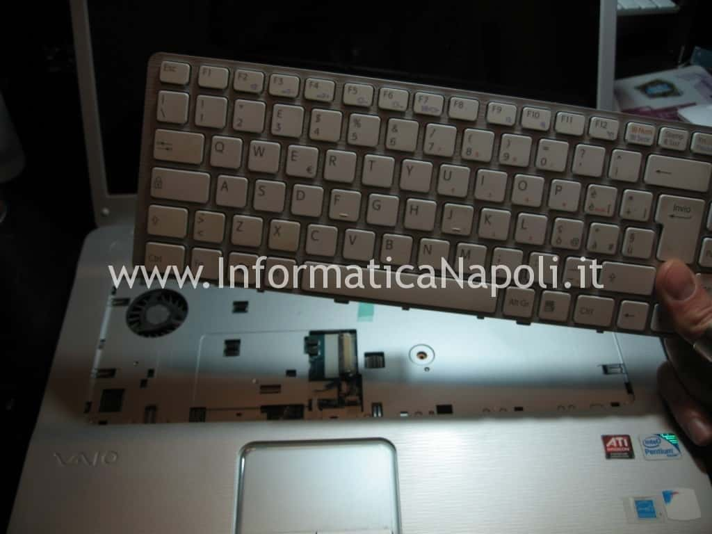 smontare keyboard tastiera Sony Vaio VGN-NW11S PCG-7171M