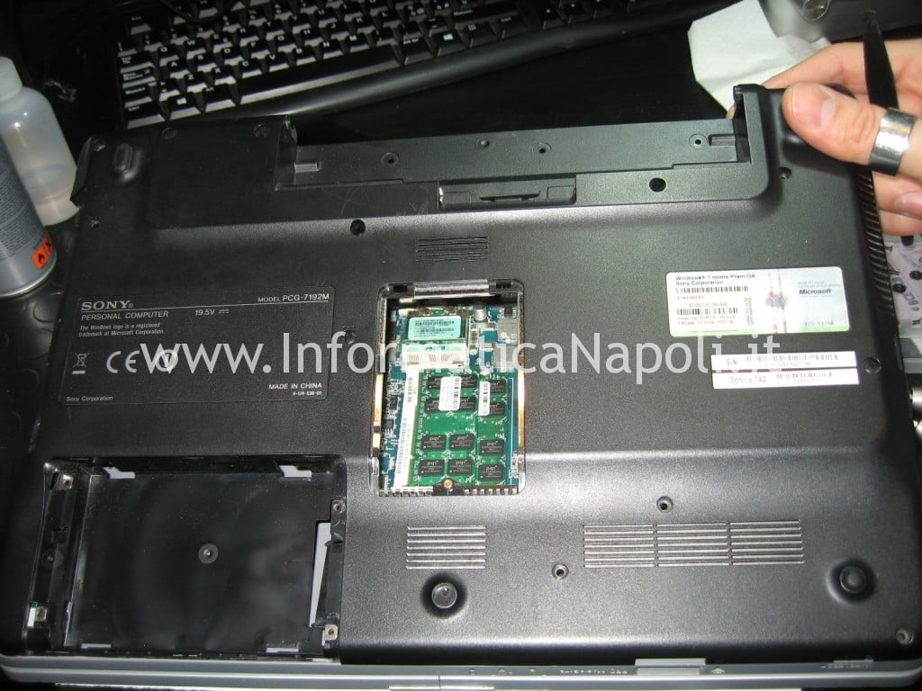 aprire riparare Sony Vaio VGN-NW31EF PCG-7192M