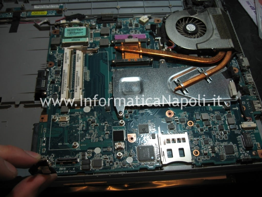 riparazione scheda madre video Sony Vaio VGN-NW31EF PCG-7192M