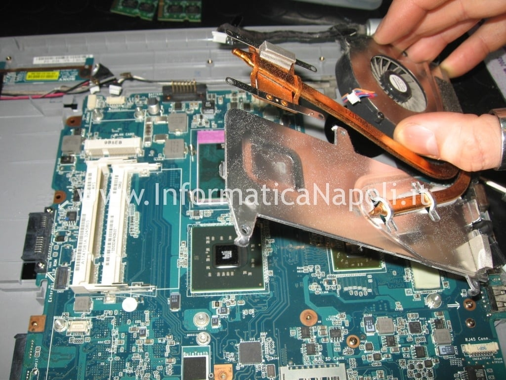cambio pasta termica Sony Vaio VGN-NW11S PCG-7171M