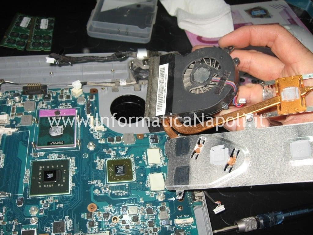 sostituzione pasta termoconduttiva Sony Vaio VGN-NW11S PCG-7171M