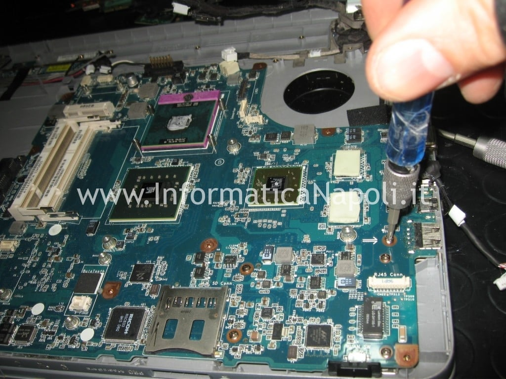 rimuovere scheda madre Sony Vaio VGN-NW11S PCG-7171M