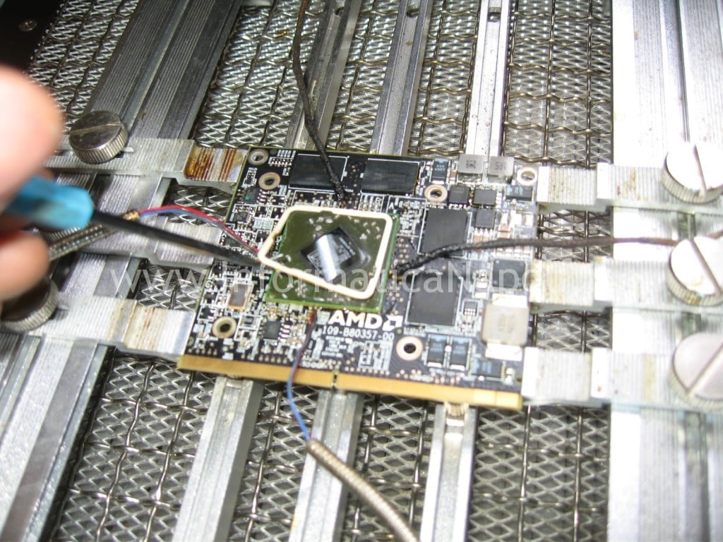 riparazione a1311 ATI Radeon video righe verticali artefizi