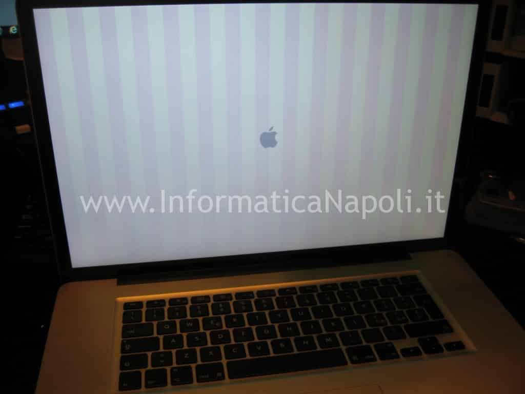 righe verticali apple macbook pro A1286