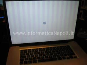 righe verticali apple macbook pro A1297
