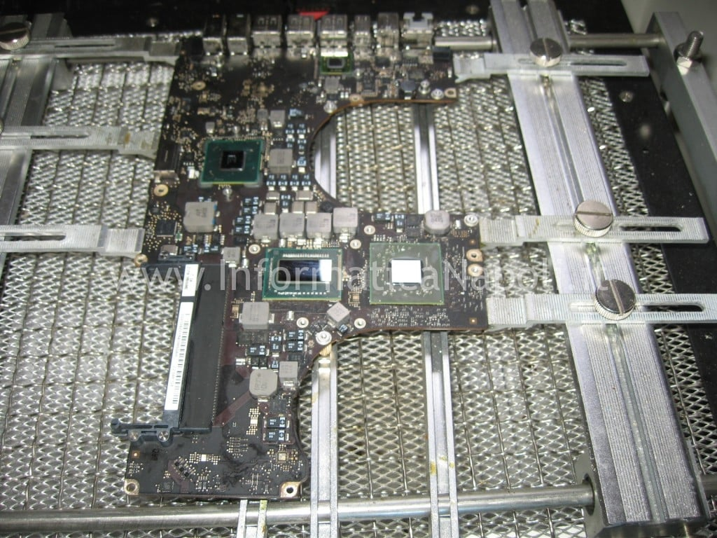 reballing GPU Apple MacBook pro 17 A1297 unibody