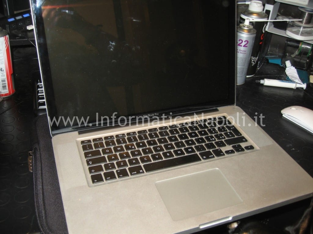 assistenza apple macbook pro non si accende