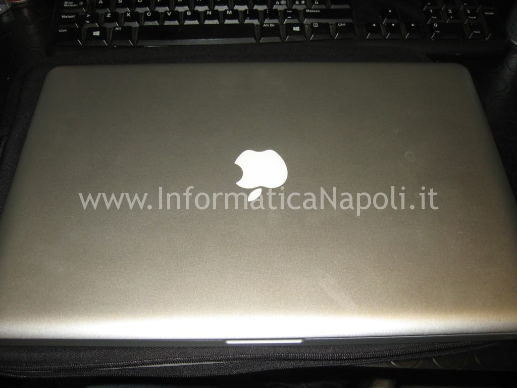 Problemi scheda video Macbook pro assistenza apple macbook pro NON FUNZIONA