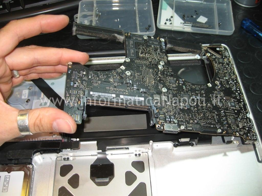 riparare logicboard macbook pro a1286