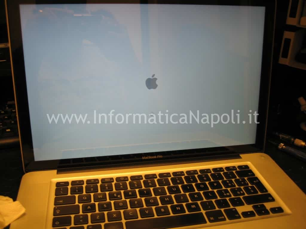 macbook pro unibody a1286 riparato