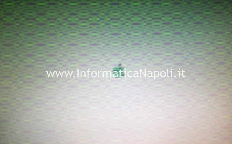 artefizi righe verdi su macbook