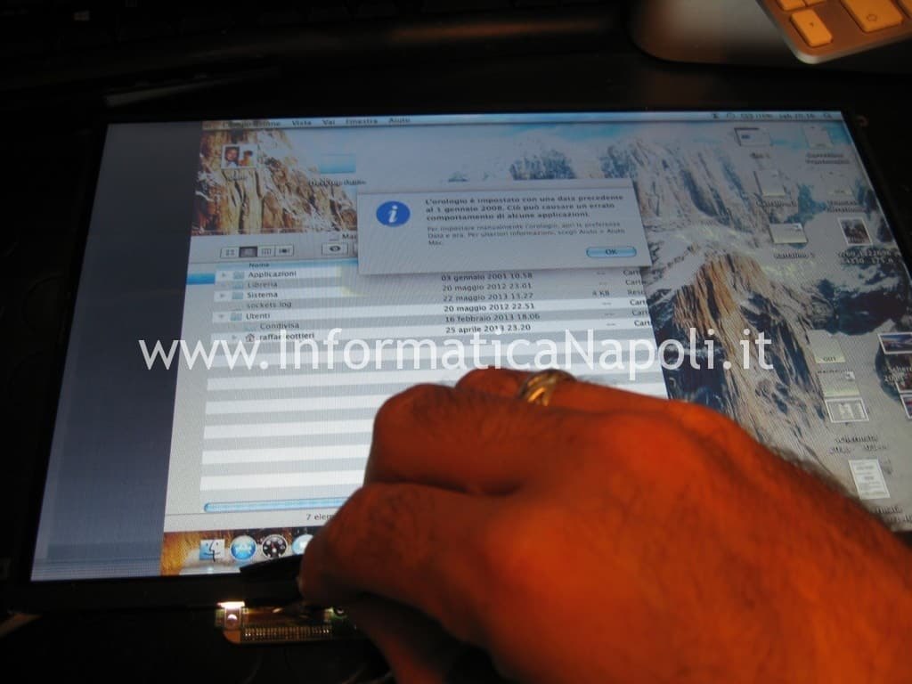 problema display led LCD Apple A1278