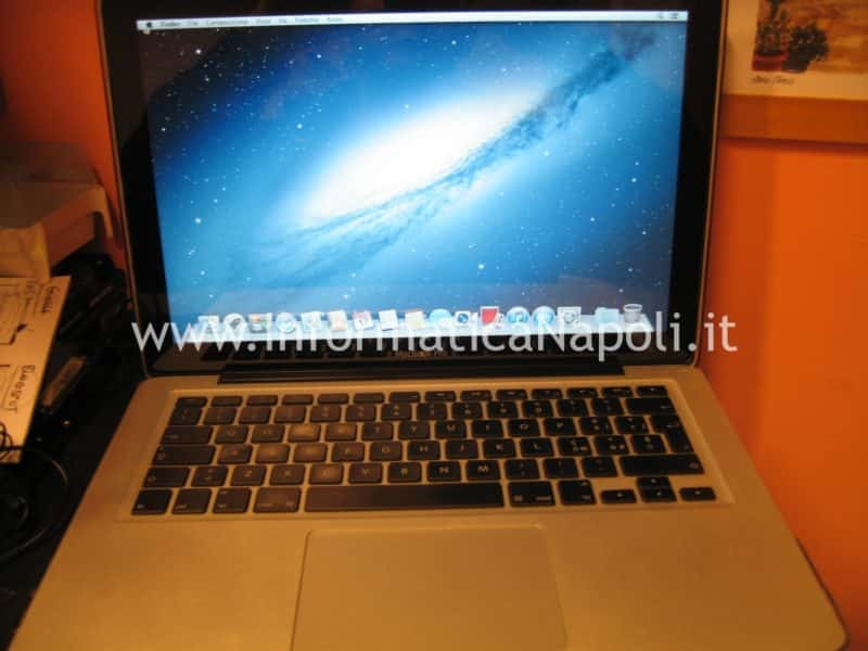 assistenza apple macbook via chiaia