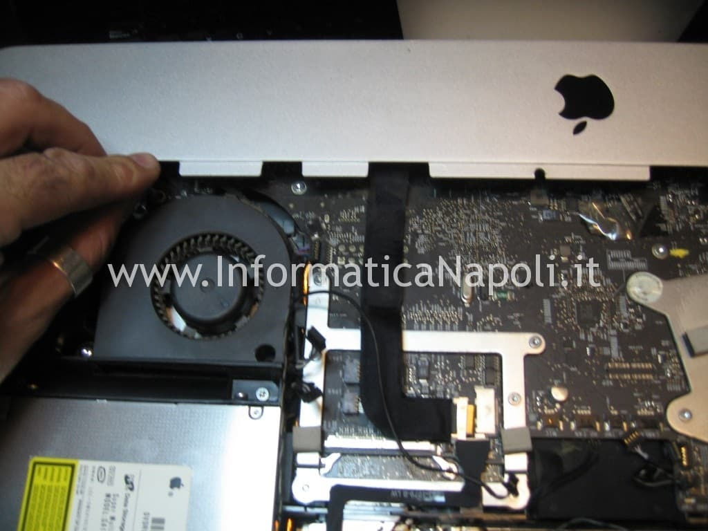 riparazione video logic board A1311 imac 21.5 2009