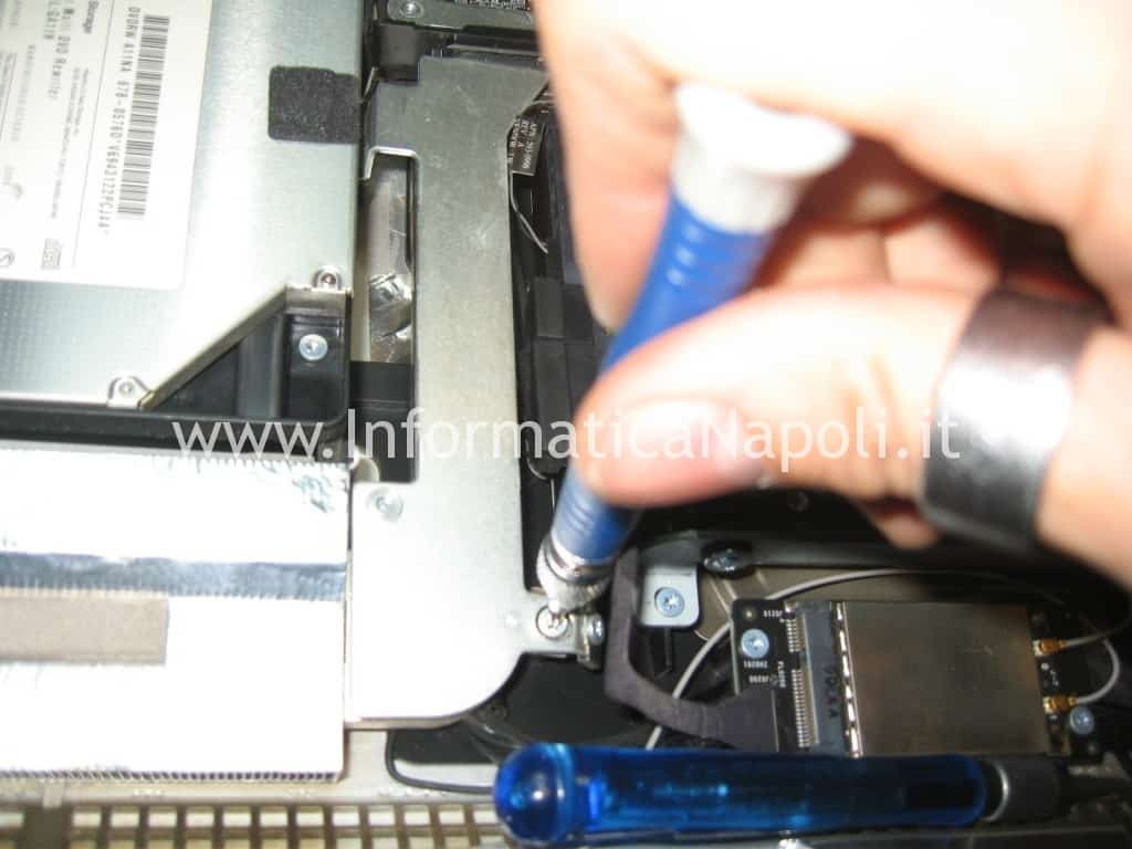 riparazione logic board A1311 imac 21.5 2009