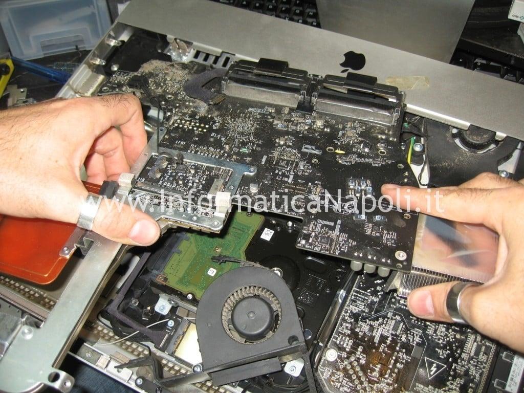estrarre scheda madre apple imac A1311 schermo 21.5 2009 2010 2011