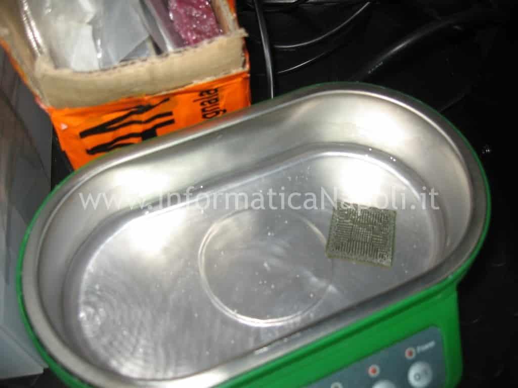Pulizia bga circuito stagno flussante reballing vasca ultrasuoni Apple MacBook Air 13 A1369 EMC 2469 mid 2011