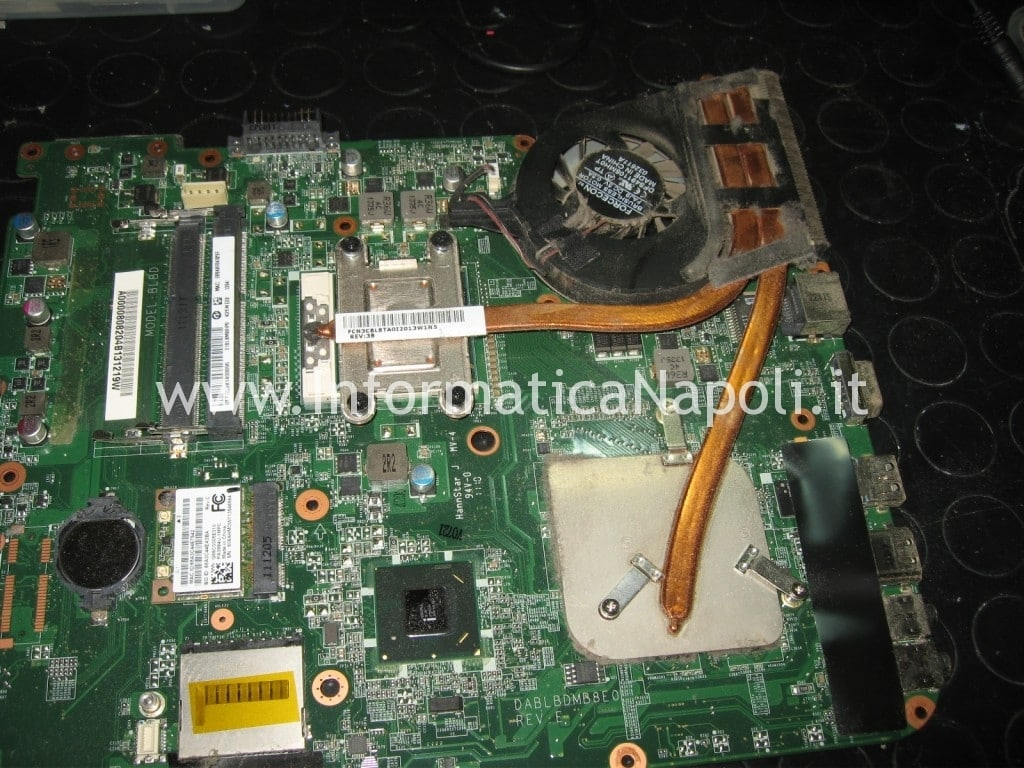 riparazione scheda video Toshiba Satellite L700 L755 PSK2YE napoli