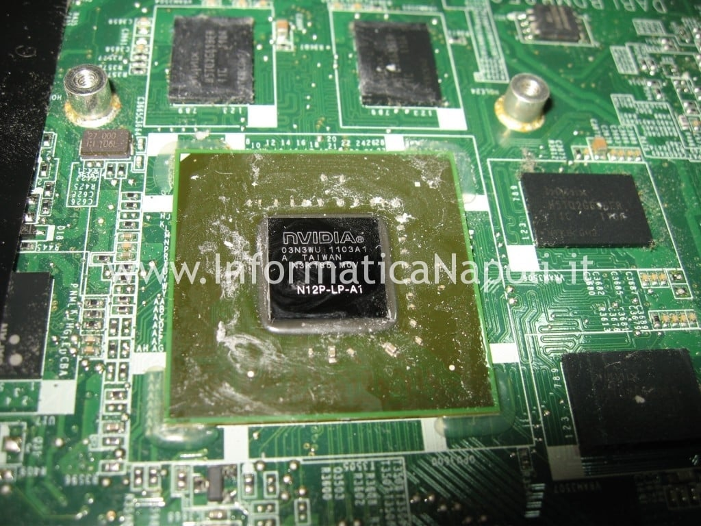 reballing GPU nVidia Toshiba Satellite L700 L755 PSK2YE