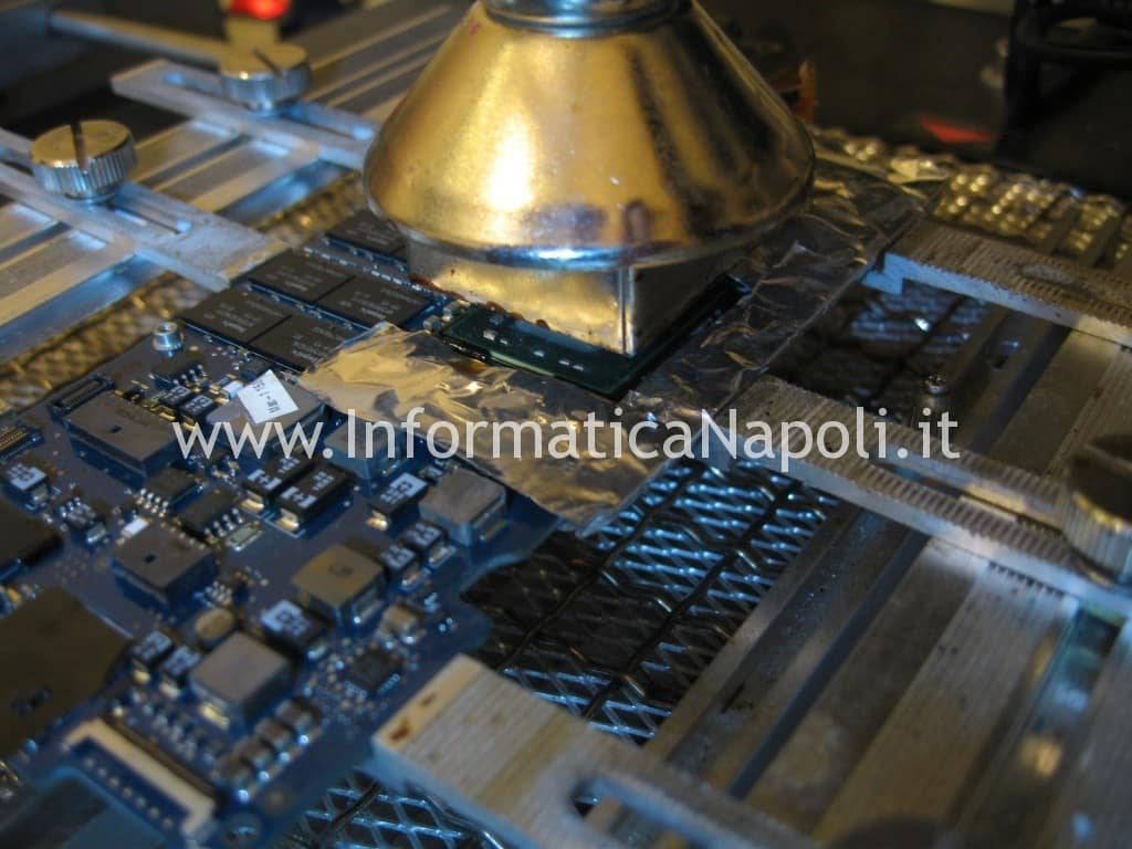 macbook air A1237 A1304 north bridge LE82GS965 non si avvia assistenza napoli