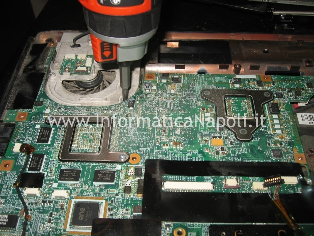riparazione chip video hp pavilion DV9000 DV9500 DV9695el