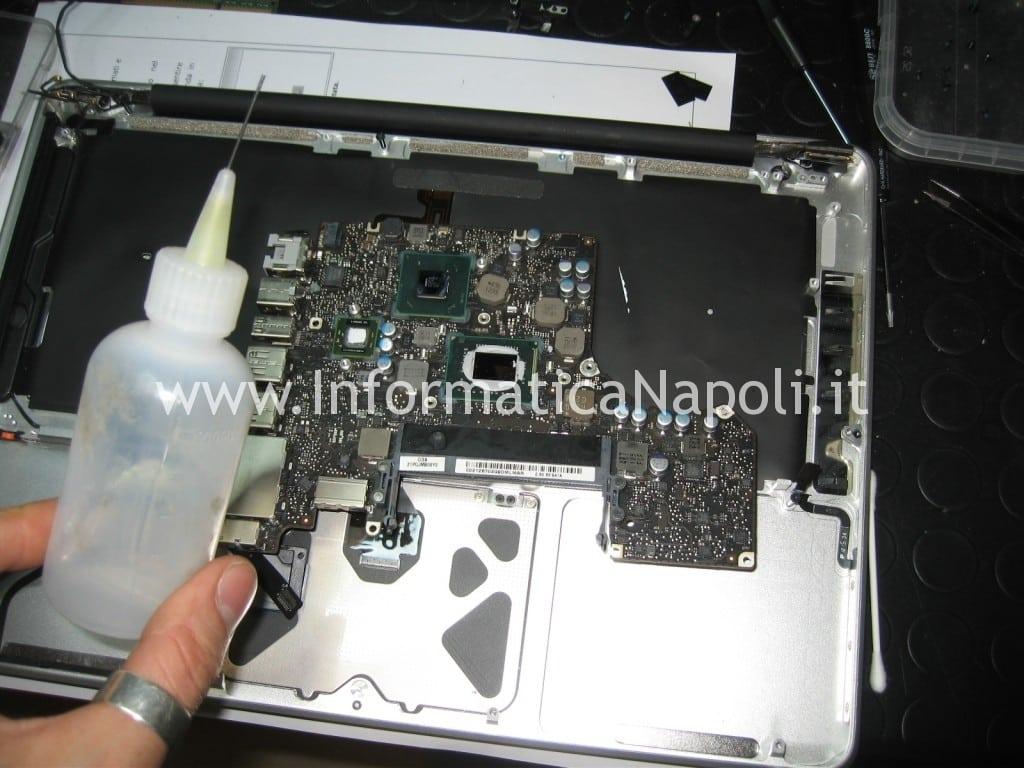 lavaggio logicboard apple macbook pro a1278 colpita da liquido