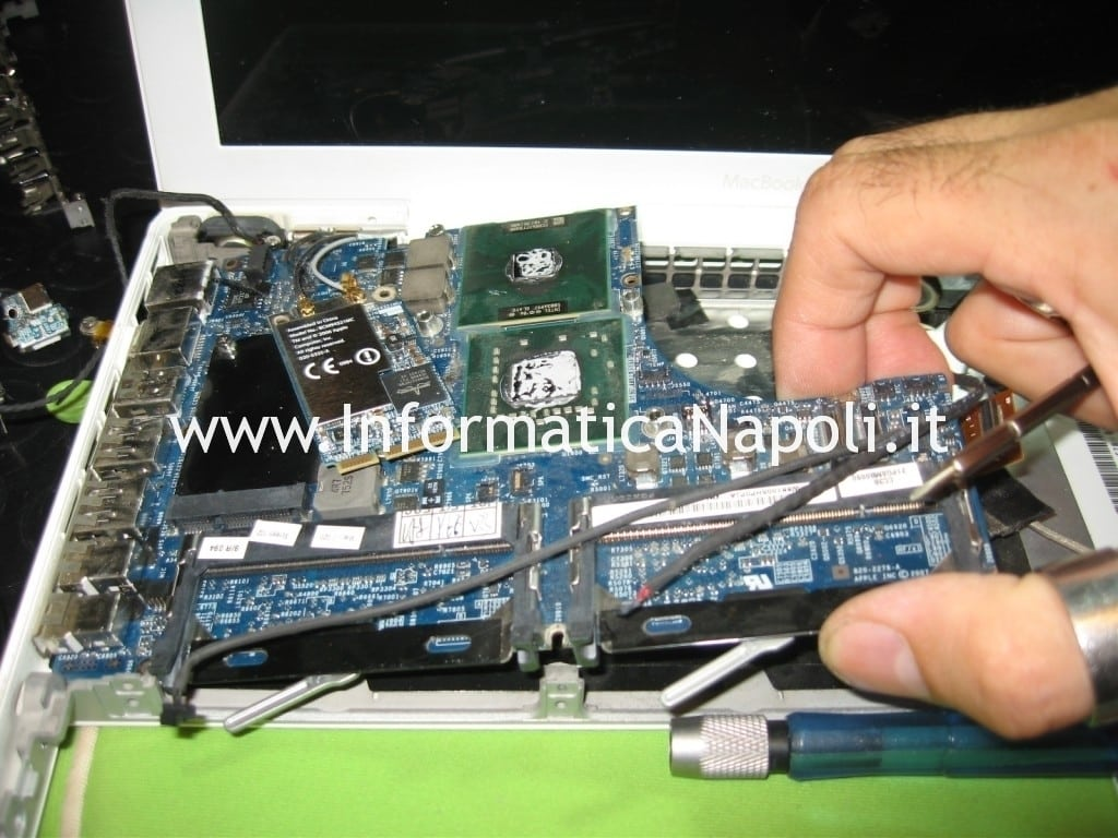 problemi logic board apple macbook 13 a1181 a1185