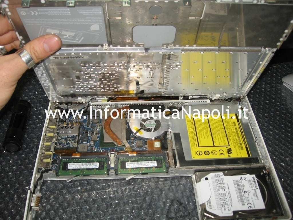 apple macbook 13 a1181 a1185 non funzionante